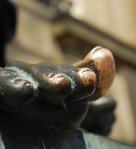 David Hume's well-rubbed toe at the start of the tour