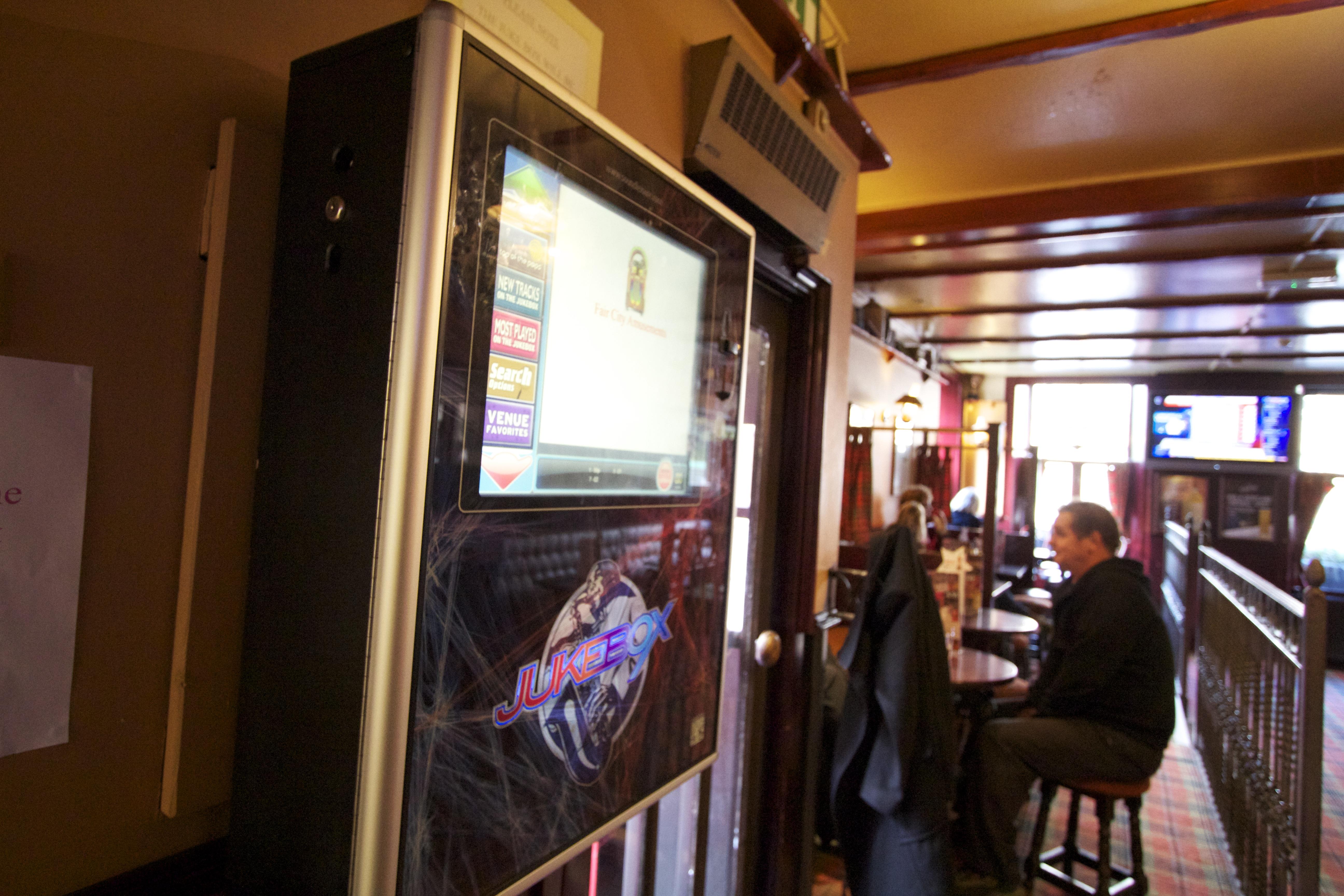 Jukebox Journeys Part 5 - The Snaffle Bit - Walking Heads